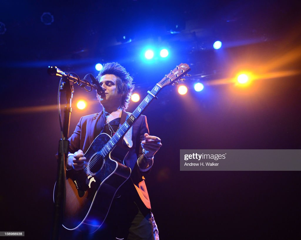Singer <a gi-track='captionPersonalityLinkClicked' href=/galleries/search?phrase=Ryan+Cabrera&family=editorial&specificpeople=201482 ng-click='$event.stopPropagation()'>Ryan Cabrera</a> performs at the Gramercy Theatre on January 4, 2013 in New York City.