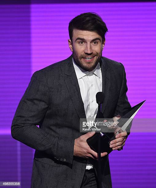 Singer Sam Hunt accepts New Artist of the Year award onstage during the 2015 American Music Awards at Microsoft Theater on November 22 2015 in Los...