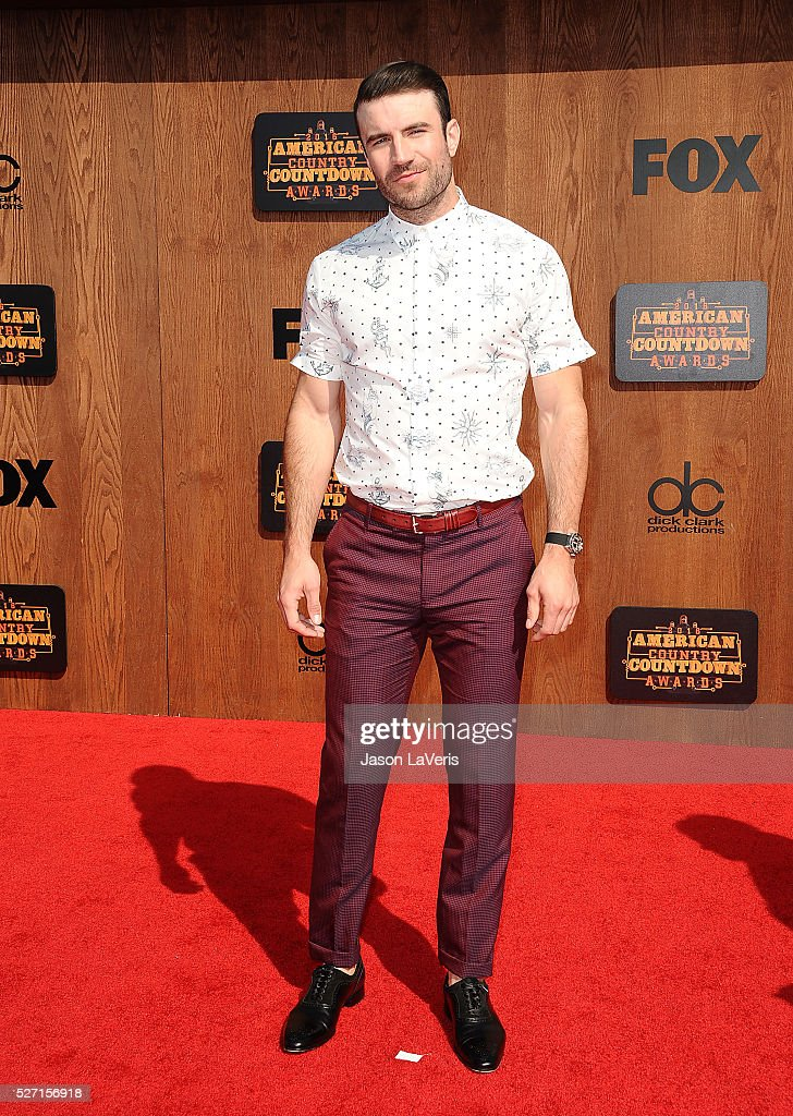 Singer <a gi-track='captionPersonalityLinkClicked' href=/galleries/search?phrase=Sam+Hunt+-+Singer&family=editorial&specificpeople=13704957 ng-click='$event.stopPropagation()'>Sam Hunt</a> attends the 2016 American Country Countdown Awards at The Forum on May 01, 2016 in Inglewood, California.