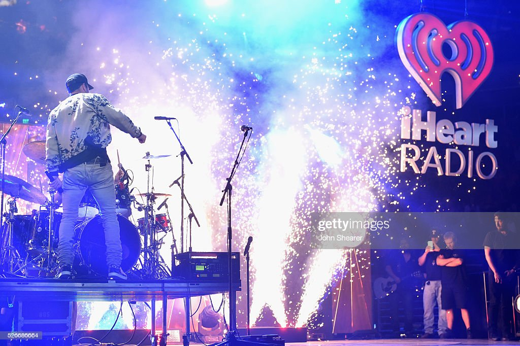 Singer <a gi-track='captionPersonalityLinkClicked' href=/galleries/search?phrase=Sam+Hunt+-+Zanger&family=editorial&specificpeople=13704957 ng-click='$event.stopPropagation()'>Sam Hunt</a> performs onstage during the 2016 iHeartCountry Festival at The Frank Erwin Center on April 30, 2016 in Austin, Texas.