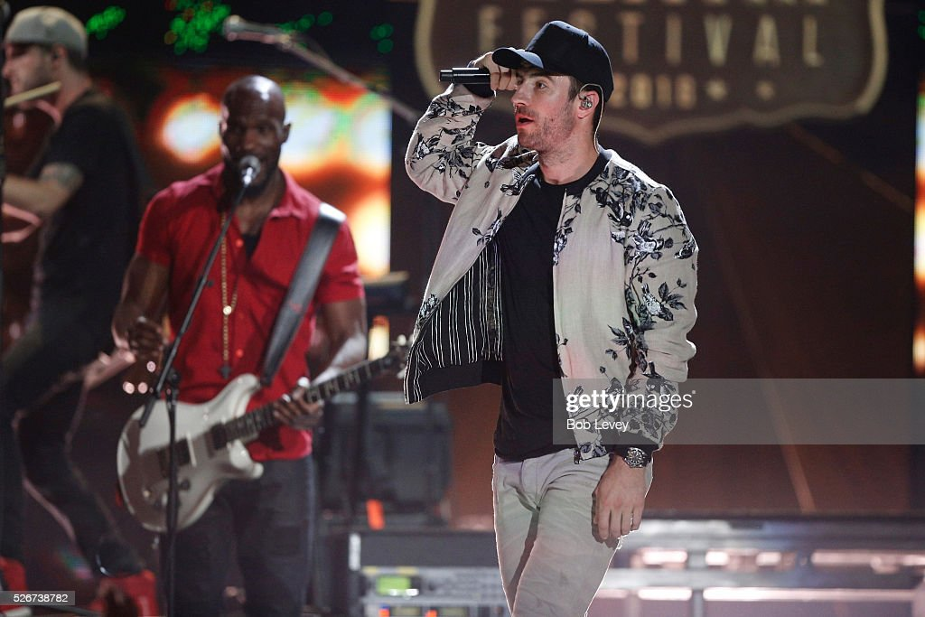 Singer Sam Hunt performs onstage during the 2016 iHeartCountry Festival at The Frank Erwin Center on April 30, 2016 in Austin, Texas.