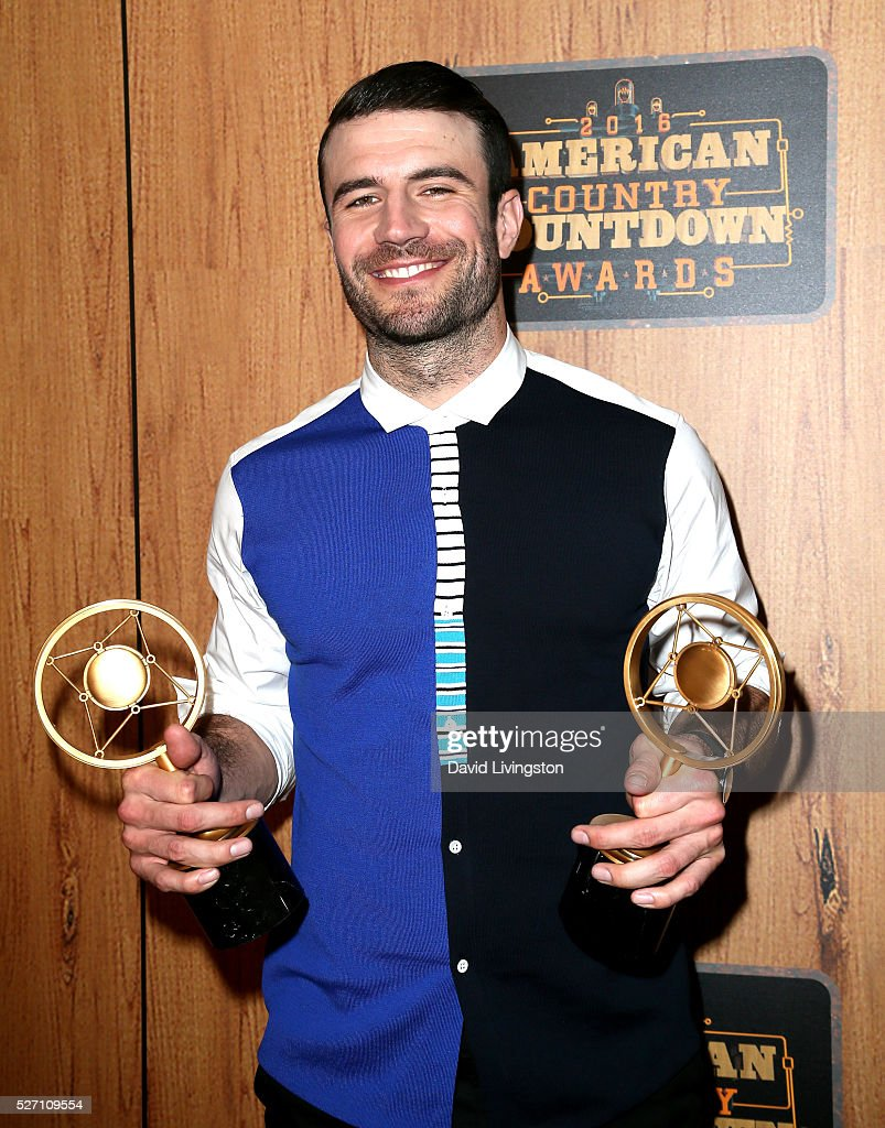 Singer <a gi-track='captionPersonalityLinkClicked' href=/galleries/search?phrase=Sam+Hunt+-+Cantante&family=editorial&specificpeople=13704957 ng-click='$event.stopPropagation()'>Sam Hunt</a>, winner of the awards for 'Digital Album of the Year' and 'Breakthrough Male of the Year', poses in the press room at the 2016 American Country Countdown Awards at The Forum on May 01, 2016 in Inglewood, California.