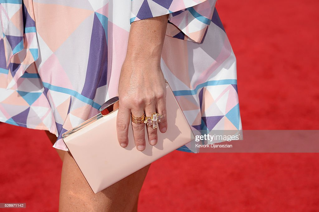 Singer Sara Evans, fashion detail, attends the 2016 American Country Countdown Awards at The Forum on May 1, 2016 in Inglewood, California.