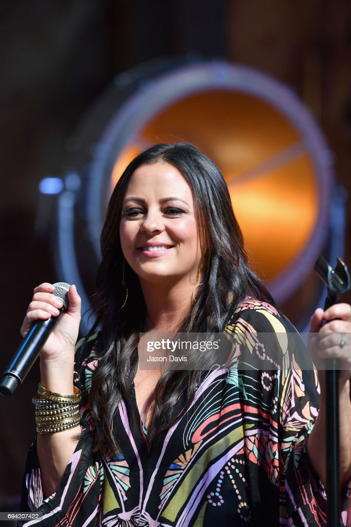 Singer Sara Evans performs onstage at the HGTV Lodge during CMA Music Fest on June 9, 2017 in Nashville, Tennessee.