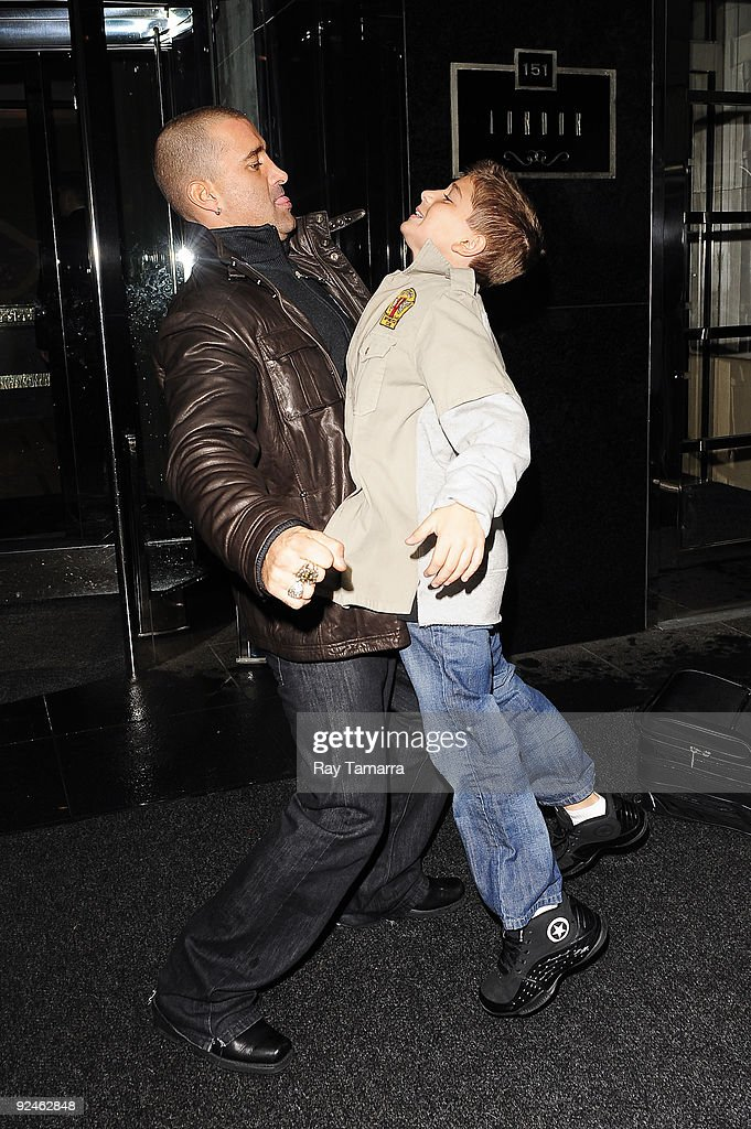 Singer Scott Stapp (L) and his son Jagger Stapp leave their Midtown Manhattan hotel on October 28, 2009 in New York City.