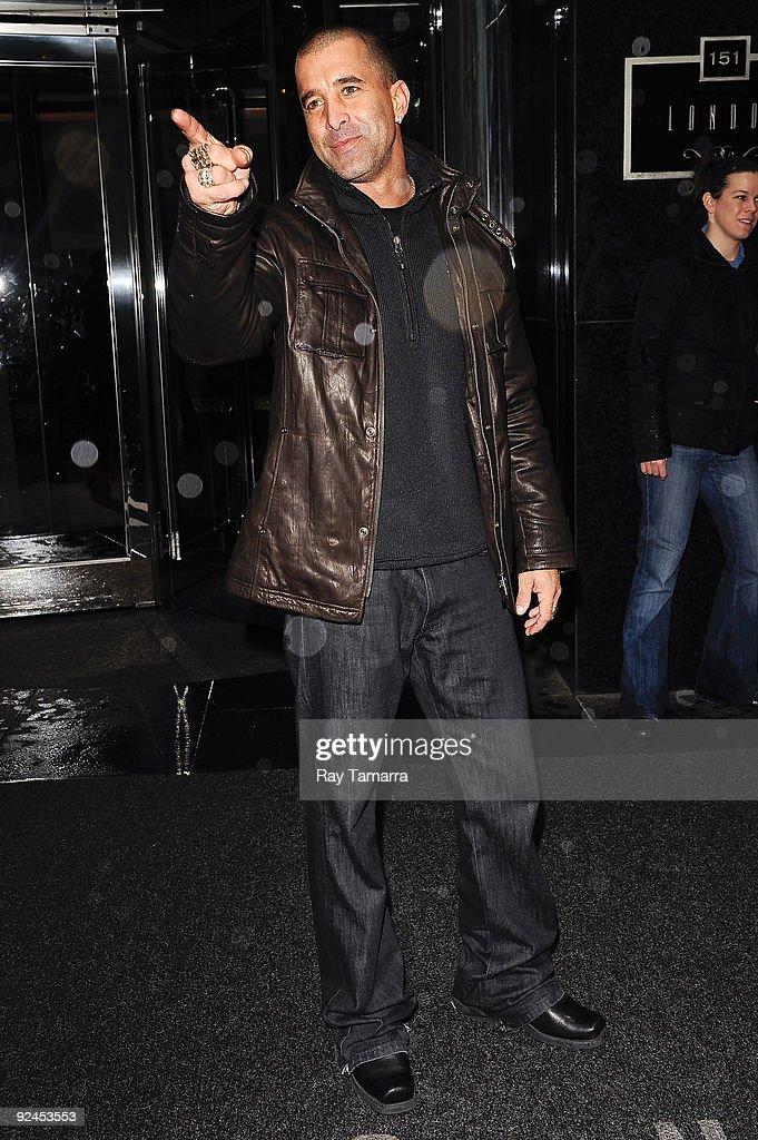 Singer Scott Stapp, of Creed, leaves his Midtown Manhattan hotel on October 28, 2009 in New York City.