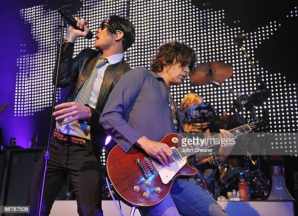 Singer Scott Weiland and guitarist Dean DeLeo of Stone Temple Pilots perform at the St Jude's Children's Research Hospital Rock 'N' Roll Hope Show at...