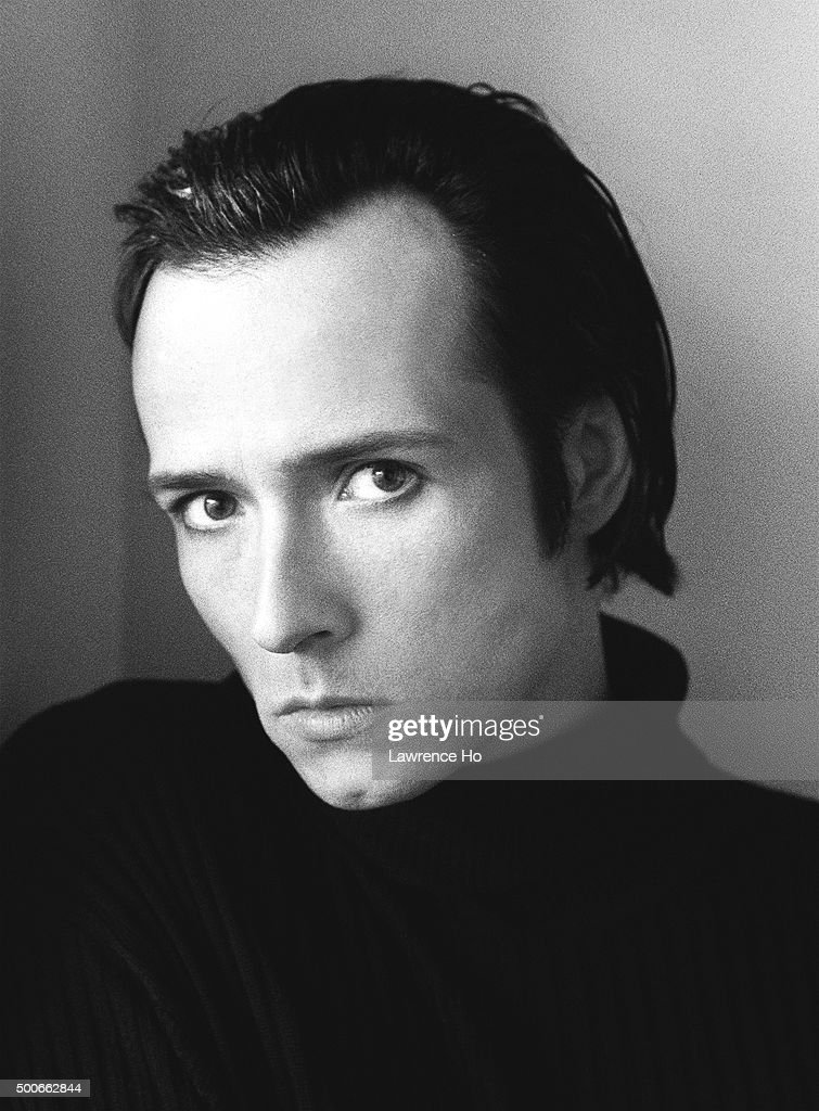 Singer Scott Weiland of Stone Temple Pilots and Velvet Revolve is photographed for Los Angeles Times on February 28, 1998 in Los Angeles, California. PUBLISHED IMAGE.