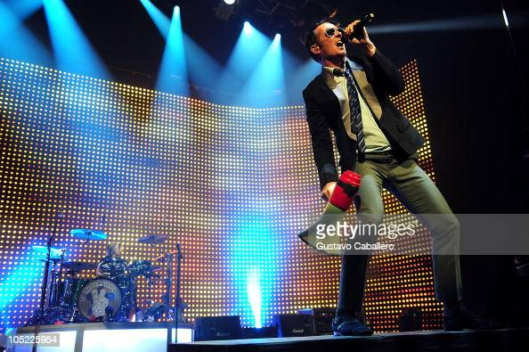Singer Scott Weiland of Stone Temple Pilots performs at Hard Rock Live in the Seminole Hard Rock Hotel Casino on October 12 2010 in Hollywood Florida