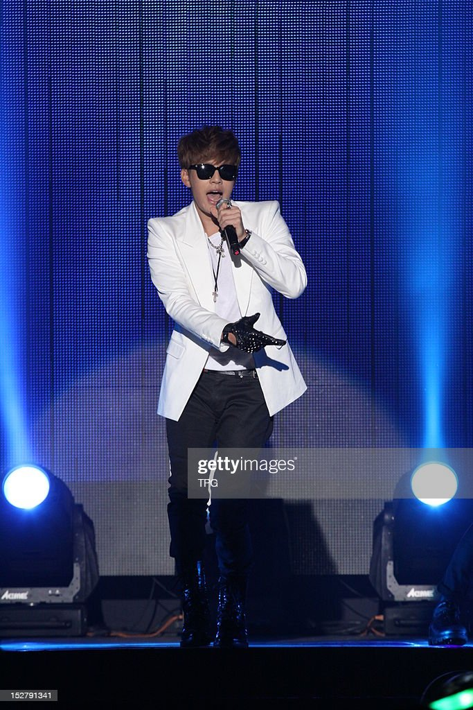 Singer SE7EN performs during his Taiwan Loving Tour on Sunday September 23, 2012 in Taipei, Taiwan, China.