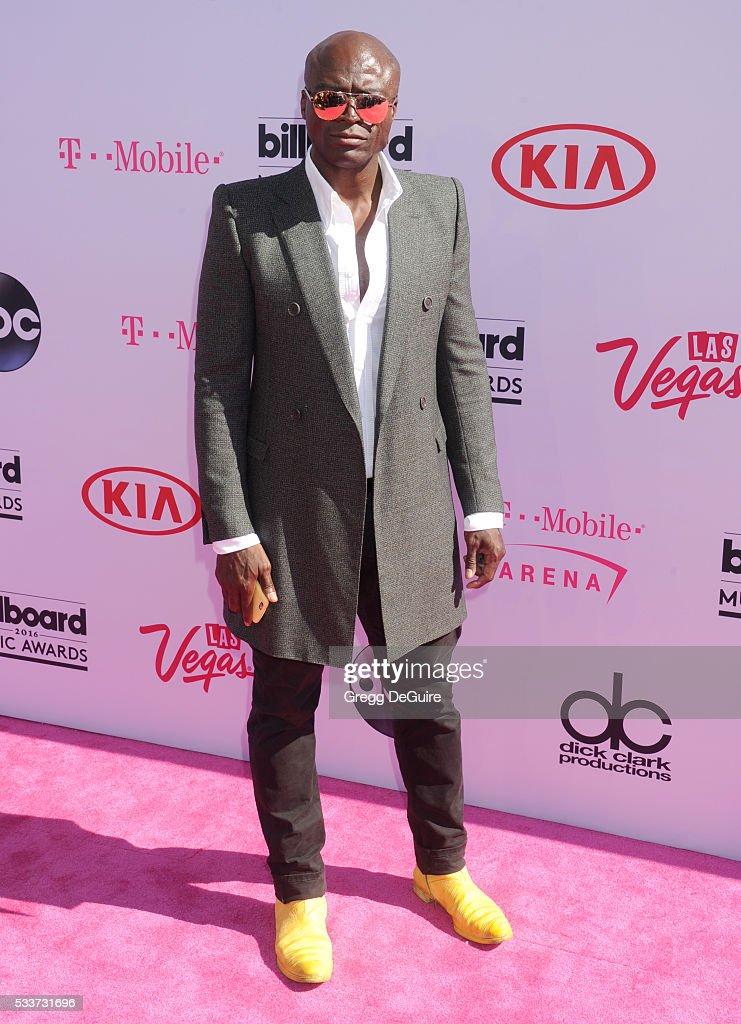 Singer <a gi-track='captionPersonalityLinkClicked' href=/galleries/search?phrase=Seal+-+Singer&family=editorial&specificpeople=202832 ng-click='$event.stopPropagation()'>Seal</a> arrives at the 2016 Billboard Music Awards at T-Mobile Arena on May 22, 2016 in Las Vegas, Nevada.