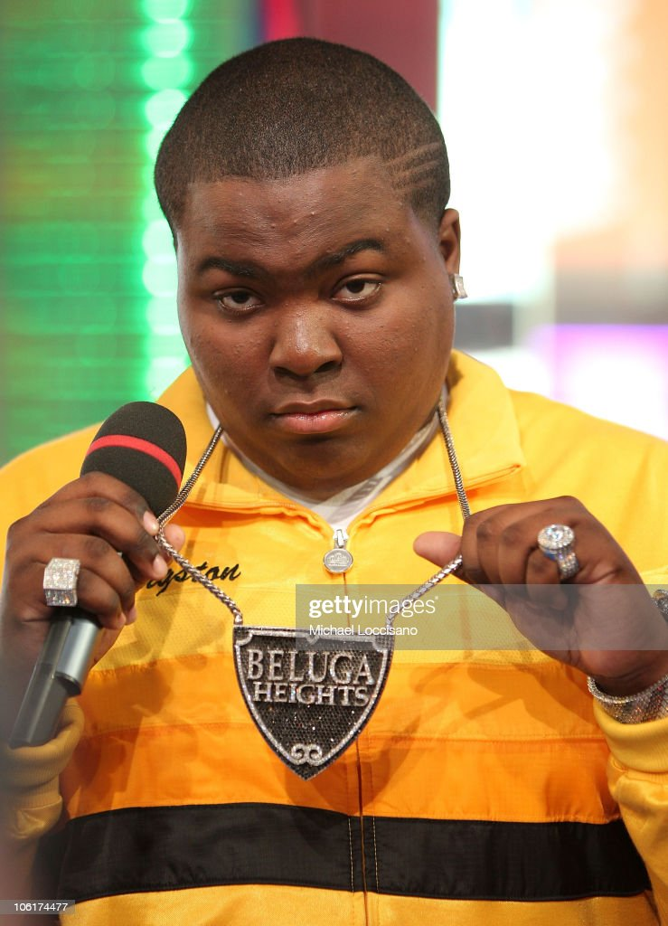 Singer Sean Kingston appears on MTV's 'TRL' at MTV's Times Square Studios in New York City on November 5 2007 The air date for this show is November...