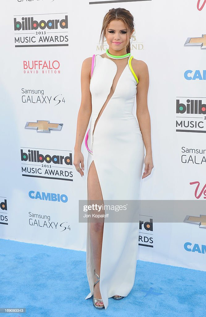 Singer Selena Gomez arrives at the 2013 Billboard Music Awards at MGM Grand Hotel & Casino on May 19, 2013 in Las Vegas, Nevada.