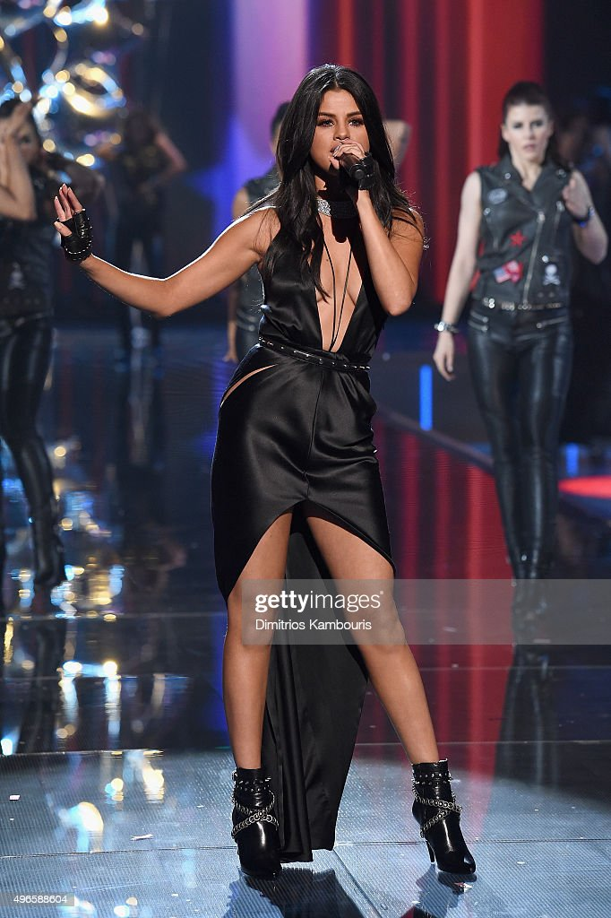Singer Selena Gomez performs on the runway during the 2015 Victoria's Secret Fashion Show at Lexington Avenue Armory on November 10, 2015 in New York City.