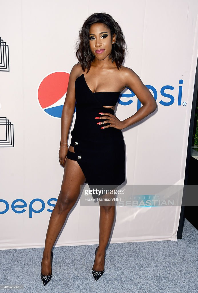 Singer <a gi-track='captionPersonalityLinkClicked' href=/galleries/search?phrase=Sevyn+Streeter&family=editorial&specificpeople=10081619 ng-click='$event.stopPropagation()'>Sevyn Streeter</a> attends the BET AWARDS '14 Debra Lee's Pre-Dinner held at Milk Studios on June 28, 2014 in Los Angeles, California.
