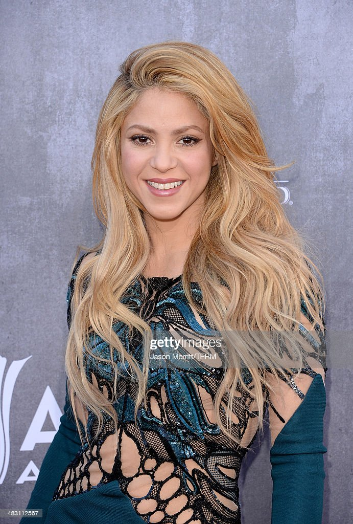 Singer Shakira attends the 49th Annual Academy Of Country Music Awards at the MGM Grand Garden Arena on April 6, 2014 in Las Vegas, Nevada.