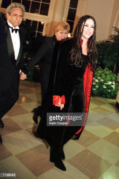 Singer Shakira Mebarak arrives at a state dinner at the White House in honor of Columbian President Andres Pastrana October 28 1998