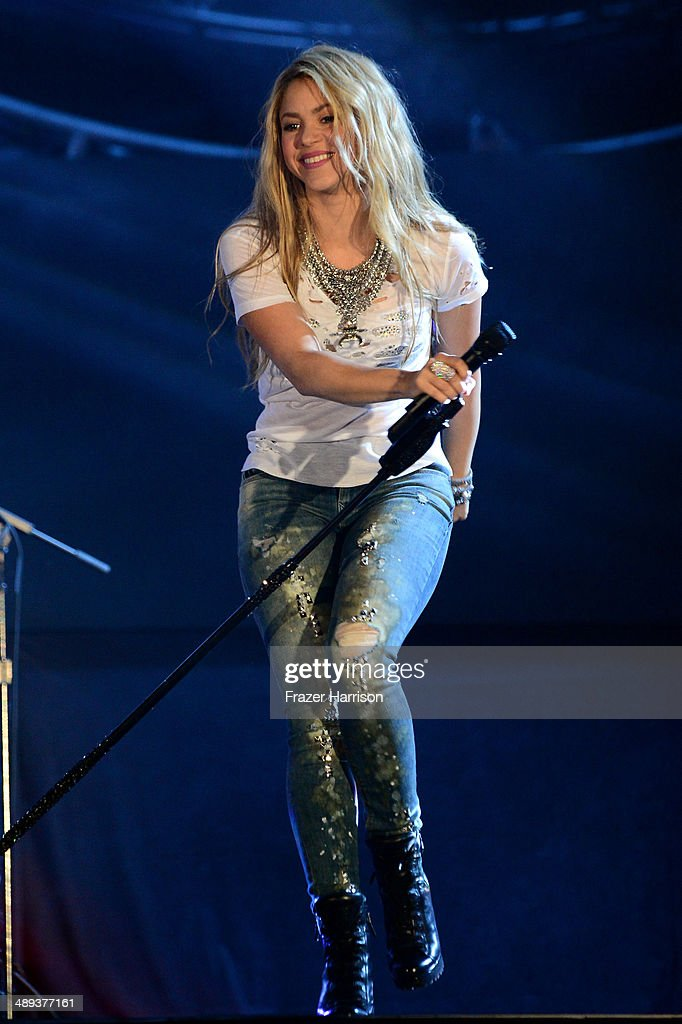 Singer <a gi-track='captionPersonalityLinkClicked' href=/galleries/search?phrase=Shakira&family=editorial&specificpeople=160650 ng-click='$event.stopPropagation()'>Shakira</a> performs onstage during 102.7 KIIS FM's 2014 Wango Tango at StubHub Center on May 10, 2014 in Los Angeles, California.