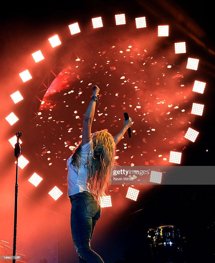 Singer Shakira performs onstage during 102.7 KIIS FM's 2014 Wango Tango at StubHub Center on May 10, 2014 in Los Angeles, California.