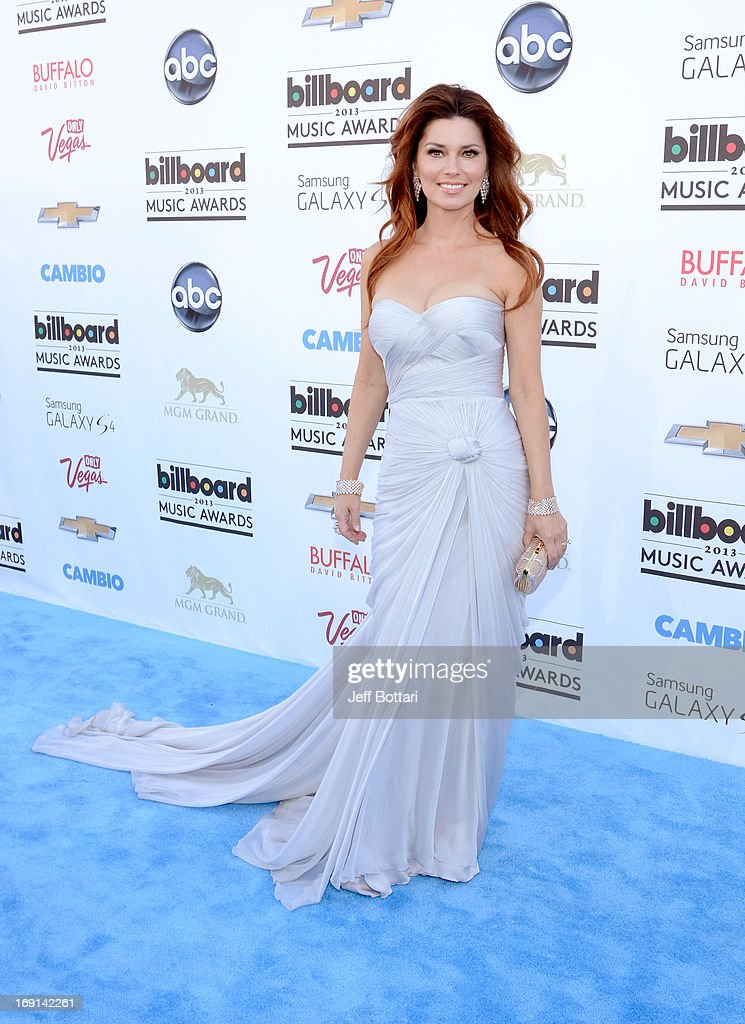 Singer <a gi-track='captionPersonalityLinkClicked' href=/galleries/search?phrase=Shania+Twain&family=editorial&specificpeople=203173 ng-click='$event.stopPropagation()'>Shania Twain</a> arrives at the 2013 Billboard Music Awards at the MGM Grand Garden Arena on May 19, 2013 in Las Vegas, Nevada.
