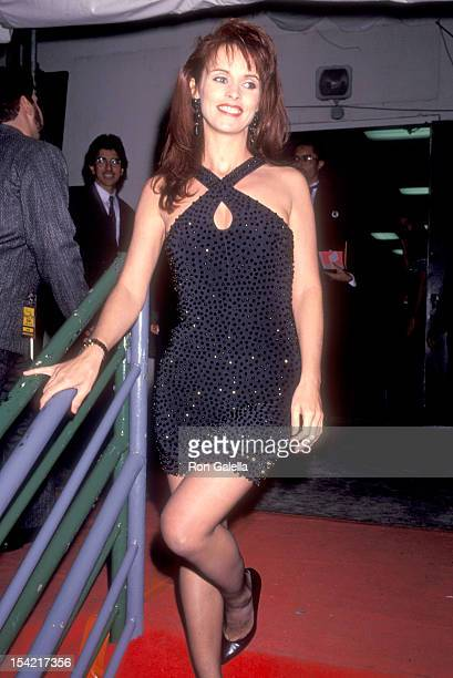 Singer Sheena Easton attends the 18th Annual American Music Awards on January 28 1991 at Shrine Auditorium in Los Angeles California