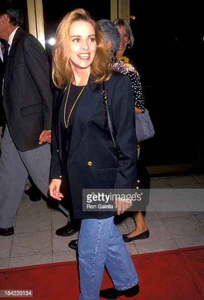 Singer Sheena Easton attends the 'Rudy' Westwood Premiere on September 28 1993 at Mann National Theatre in Westwood California