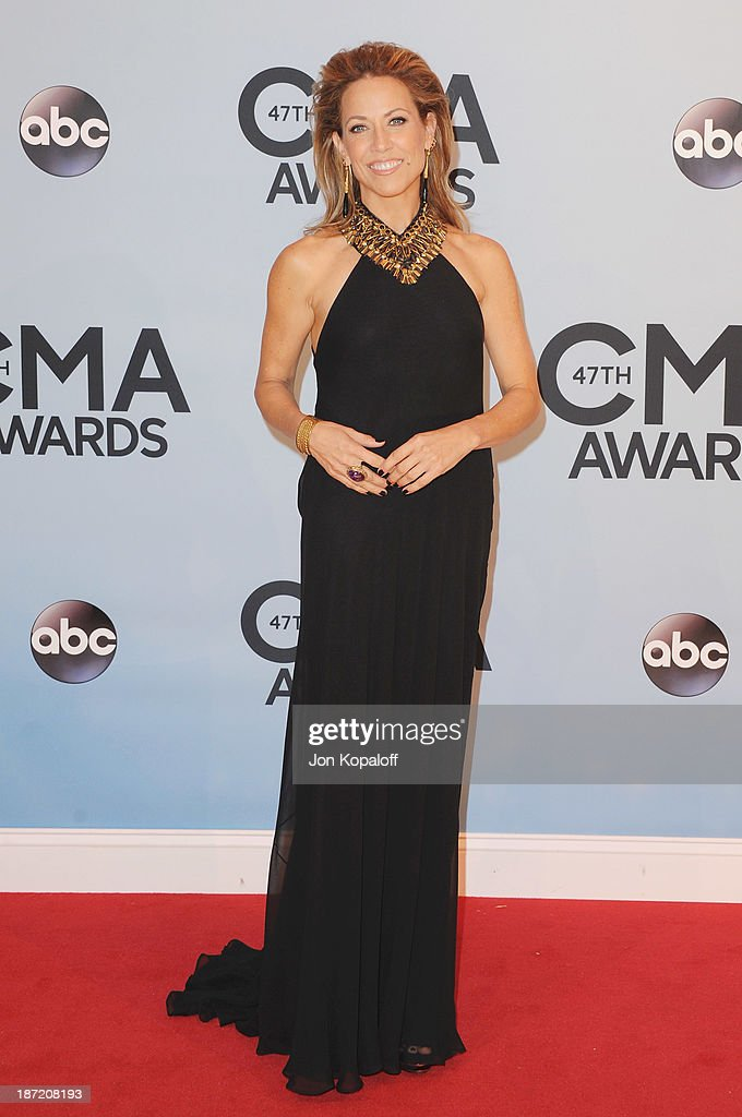 Singer <a gi-track='captionPersonalityLinkClicked' href=/galleries/search?phrase=Sheryl+Crow&family=editorial&specificpeople=201867 ng-click='$event.stopPropagation()'>Sheryl Crow</a> attends the 47th annual CMA Awards at the Bridgestone Arena on November 6, 2013 in Nashville, Tennessee.