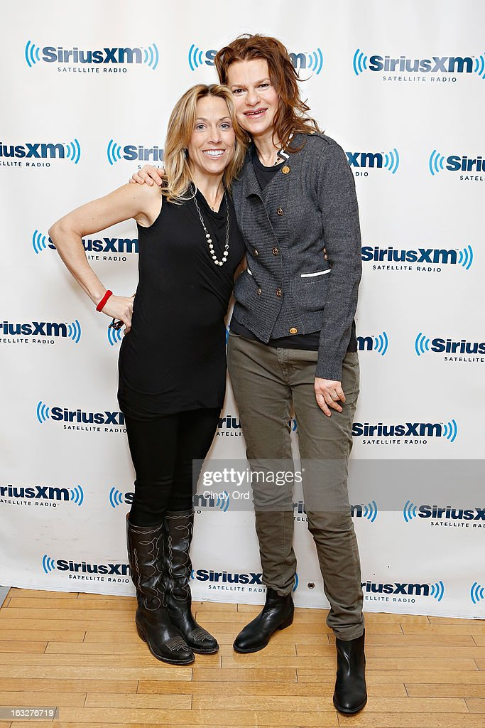 Singer Sheryl Crow poses with actress/ comedienne Sandra Bernhard during a visit to the SiriusXM Studios on March 6, 2013 in New York City.