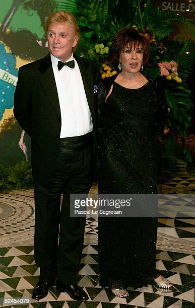 Singer Shirley Bassey and guest arrive at the Rose Ball 2005 at The Sporting Monte Carlo on March 19 2005 in Monte Carlo Monaco