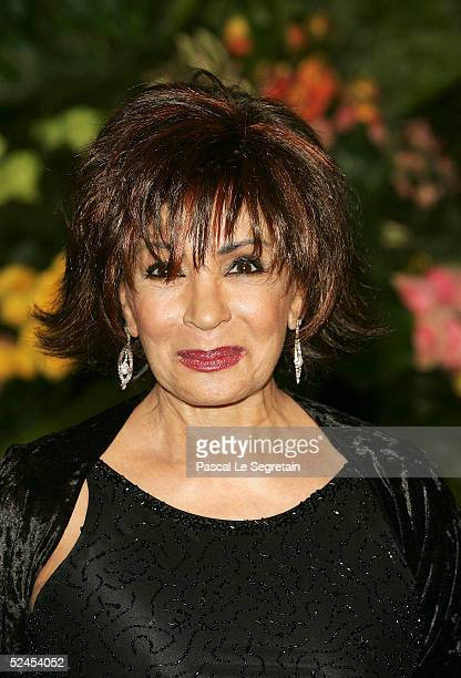Singer Shirley Bassey arrives at the Rose Ball 2005 at The Sporting Monte Carlo on March 19 2005 in Monte Carlo Monaco