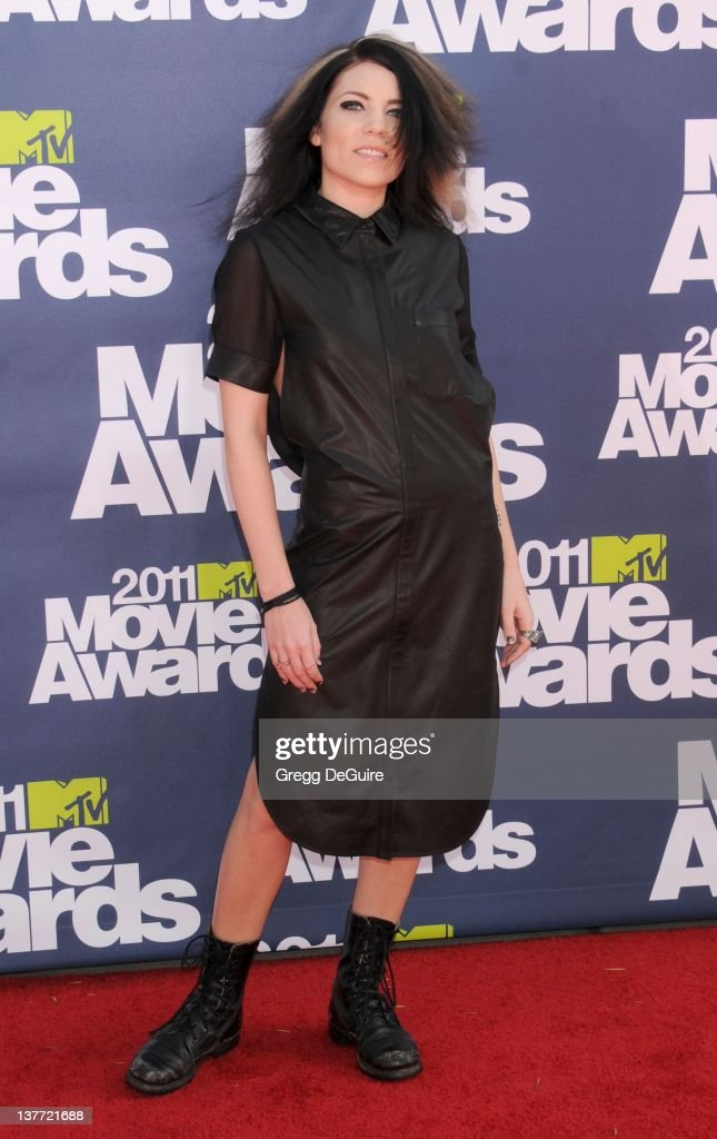 Singer Skylar Grey arrives at the 2011 MTV Movie Awards at the Gibson Amphitheatre on June 5, 2011 in Universal City, California.