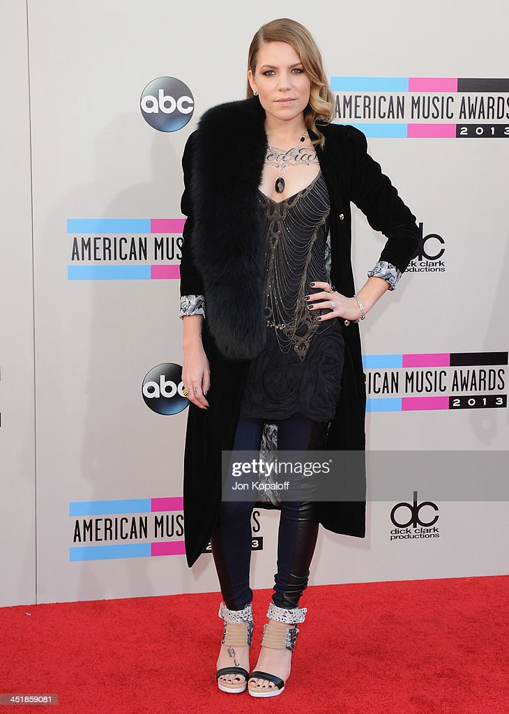 Singer Skylar Grey arrives at the 2013 American Music Awards at Nokia Theatre L.A. Live on November 24, 2013 in Los Angeles, California.