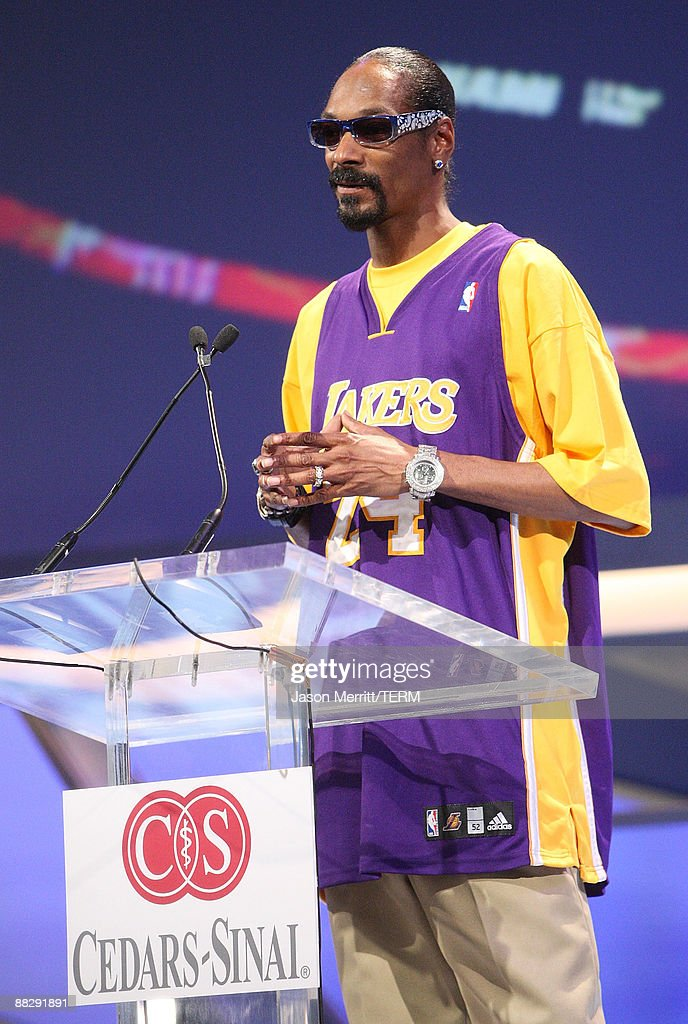 Singer Snoop Dogg attends the Cedars Sinai Medical Center's 24th Annual Sports Spectacular held on June 7, 2009 in Century City, California.
