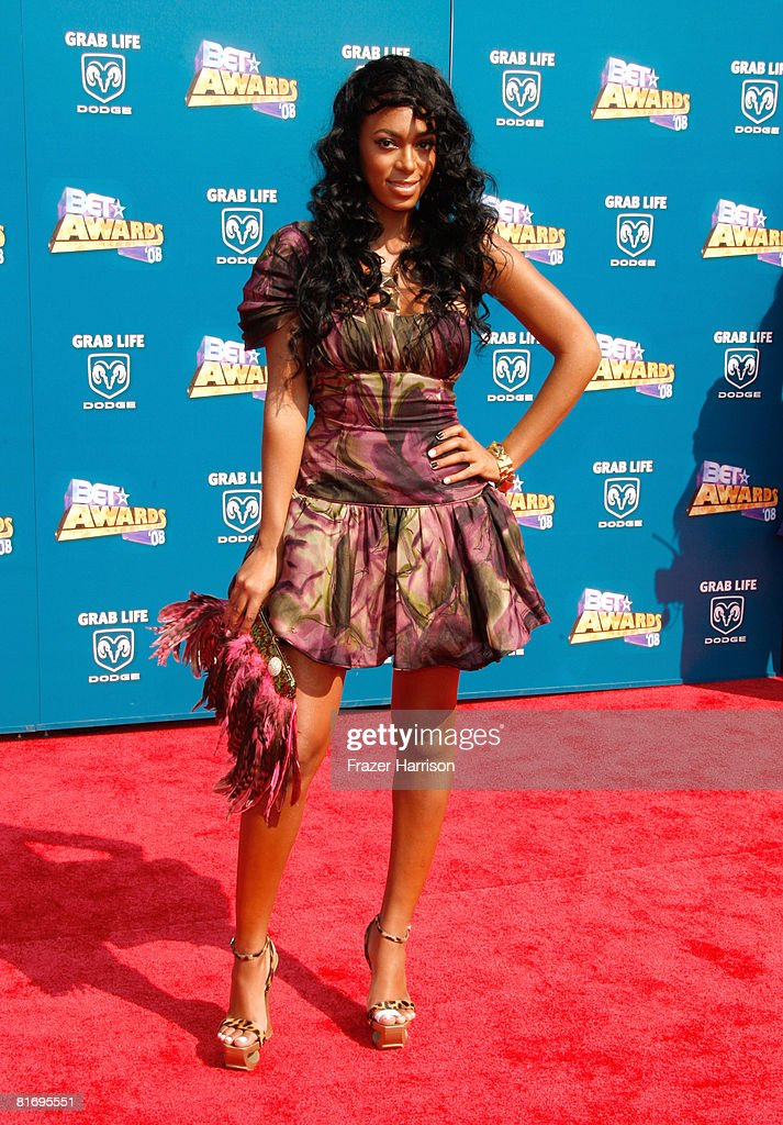 Singer <a gi-track='captionPersonalityLinkClicked' href=/galleries/search?phrase=Solange+Knowles&family=editorial&specificpeople=221489 ng-click='$event.stopPropagation()'>Solange Knowles</a> arrives at the 2008 BET Awards held at the Shrine Auditorium on June 24, 2008 in Los Angeles, California.