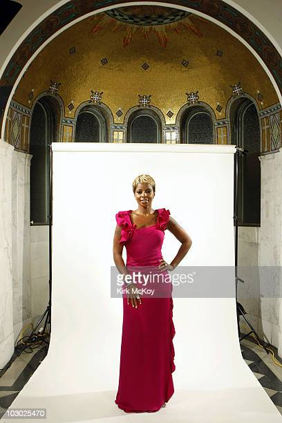 Singer songwriter Mary J Blige poses at a portrait session PUBLISHED