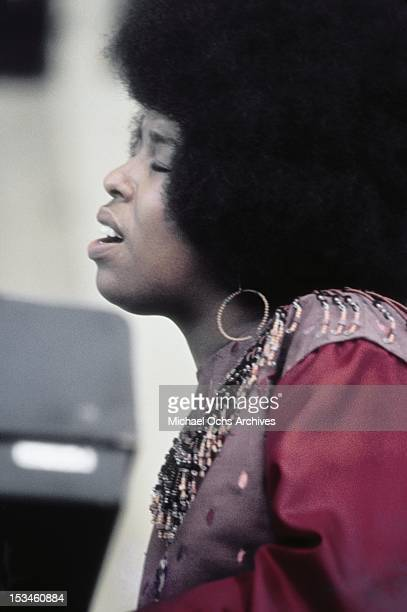 Singer songwriter Roberta Flack performs at the Newport Jazz Festival on July 12 1970 in Newport Rhode Island