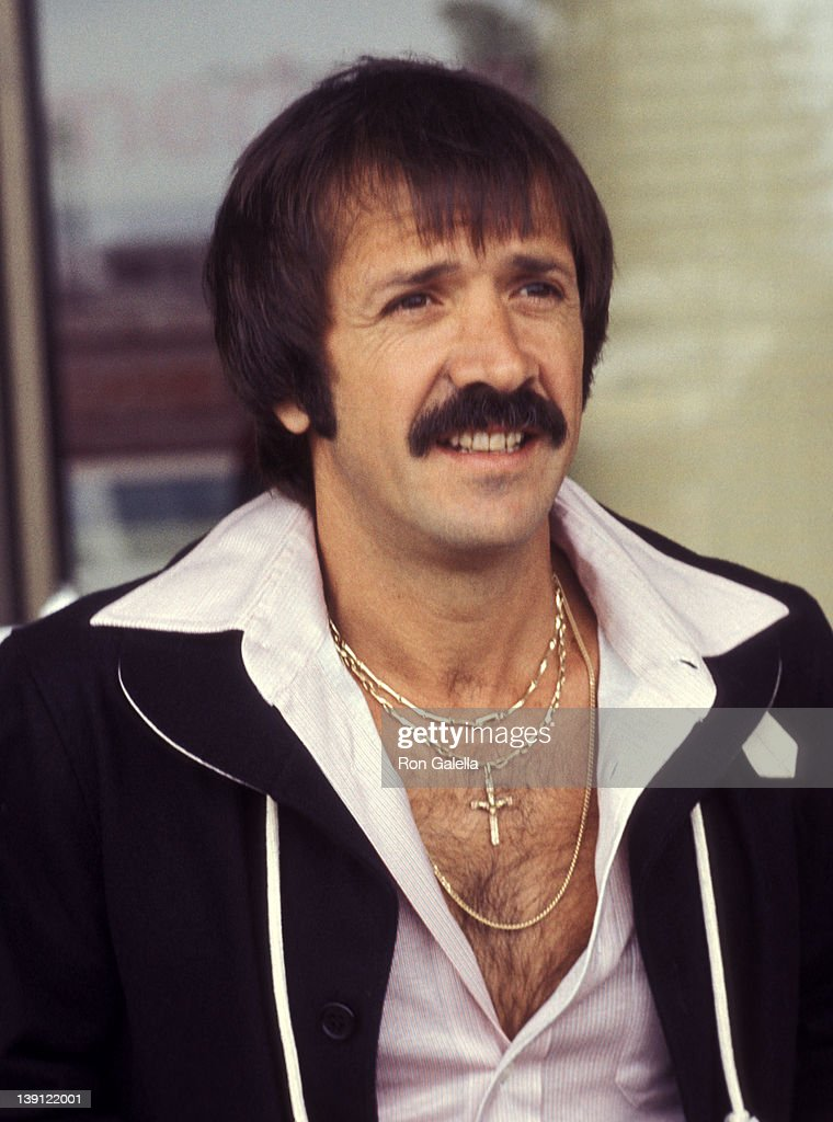 LOS ANGELES - JUNE 12 Singer <a gi-track='captionPersonalityLinkClicked' href=/galleries/search?phrase=Sonny+Bono&family=editorial&specificpeople=208307 ng-click='$event.stopPropagation()'>Sonny Bono</a> on June 12, 1977 arrives at the Los Angeles International Airport in Los Angeles, California.