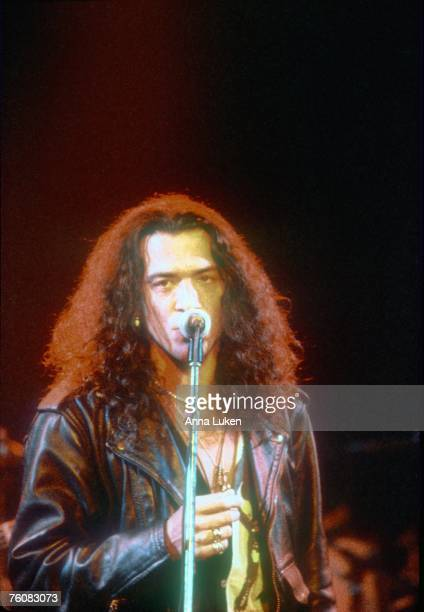 Singer Stephen Pearcy of the rock band 'Ratt' performs onstage in circa 1992