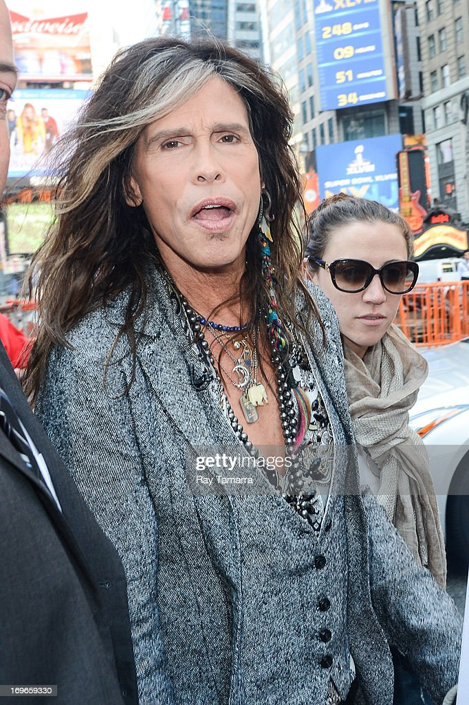Singer <a gi-track='captionPersonalityLinkClicked' href=/galleries/search?phrase=Steven+Tyler+-+Musician&family=editorial&specificpeople=202080 ng-click='$event.stopPropagation()'>Steven Tyler</a> enters the 'Good Morning America' taping at the ABC Times Square Studios on May 30, 2013 in New York City.