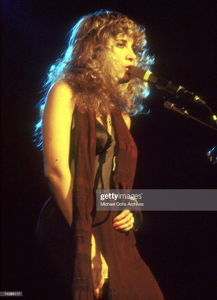 Singer Stevie Nicks of the rock and roll group 'Fleetwood Mac' performs onstage in December 1979.