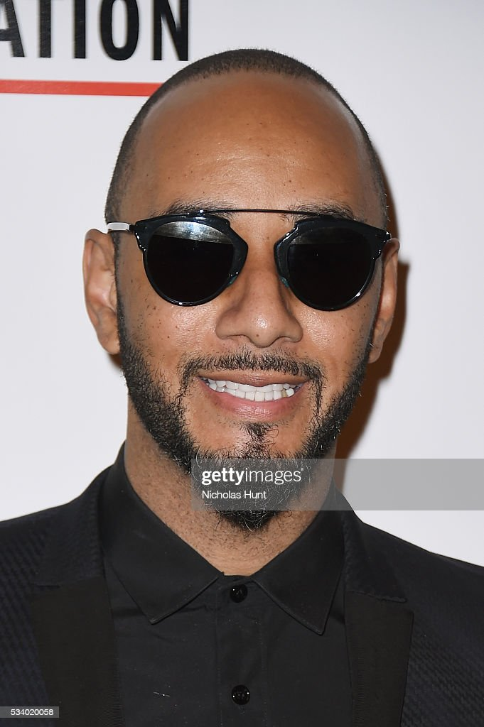 Singer <a gi-track='captionPersonalityLinkClicked' href=/galleries/search?phrase=Swizz+Beatz&family=editorial&specificpeople=567154 ng-click='$event.stopPropagation()'>Swizz Beatz</a> attends the 2016 Gordon Parks Foundation awards dinner at Cipriani 42nd Street on May 24, 2016 in New York City.