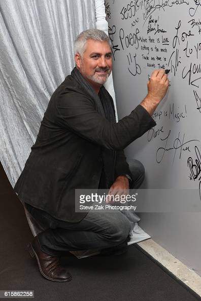 Singer Taylor Hicks attends Build Series to discuss his new album at AOL HQ on October 20 2016 in New York City
