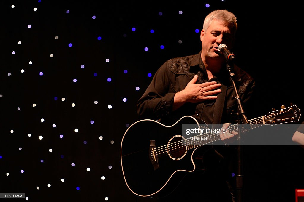 Singer <a gi-track='captionPersonalityLinkClicked' href=/galleries/search?phrase=Taylor+Hicks&family=editorial&specificpeople=451552 ng-click='$event.stopPropagation()'>Taylor Hicks</a> performs for a group of potential job applicants at a special networking event provided by Caesars Entertainment as they launch 'Enlisting Heroes' Military Veteran hiring strategy event at the Rio Hotel & Casino on February 20, 2013 in Las Vegas, Nevada.
