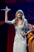 Singer Taylor Swift accepts the award for Best Look during the MTV EMA's 2012 at Festhalle Frankfurt on November 11 2012 in Frankfurt am Main Germany