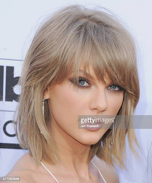 Singer Taylor Swift arrives at the 2015 Billboard Music Awards at MGM Garden Arena on May 17 2015 in Las Vegas Nevada