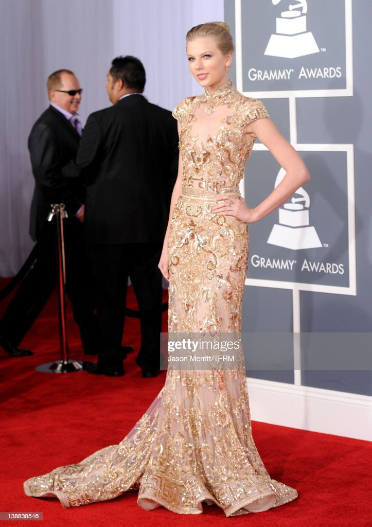 Singer <a gi-track='captionPersonalityLinkClicked' href=/galleries/search?phrase=Taylor+Swift&family=editorial&specificpeople=619504 ng-click='$event.stopPropagation()'>Taylor Swift</a> arrives at the 54th Annual GRAMMY Awards held at Staples Center on February 12, 2012 in Los Angeles, California.