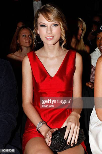 Singer Taylor Swift attends MercedesBenz Fashion Week at Bryant Park on September 17 2009 in New York New York
