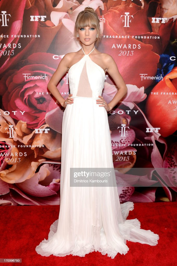 Singer <a gi-track='captionPersonalityLinkClicked' href=/galleries/search?phrase=Taylor+Swift&family=editorial&specificpeople=619504 ng-click='$event.stopPropagation()'>Taylor Swift</a> attends the 2013 Fragrance Foundation Awards at Alice Tully Hall at Lincoln Center on June 12, 2013 in New York City.