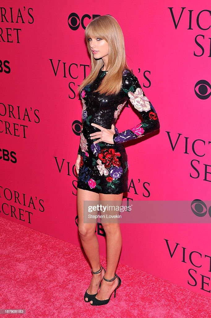 Singer <a gi-track='captionPersonalityLinkClicked' href=/galleries/search?phrase=Taylor+Swift&family=editorial&specificpeople=619504 ng-click='$event.stopPropagation()'>Taylor Swift</a> attends the 2013 Victoria's Secret Fashion Show at Lexington Avenue Armory on November 13, 2013 in New York City.