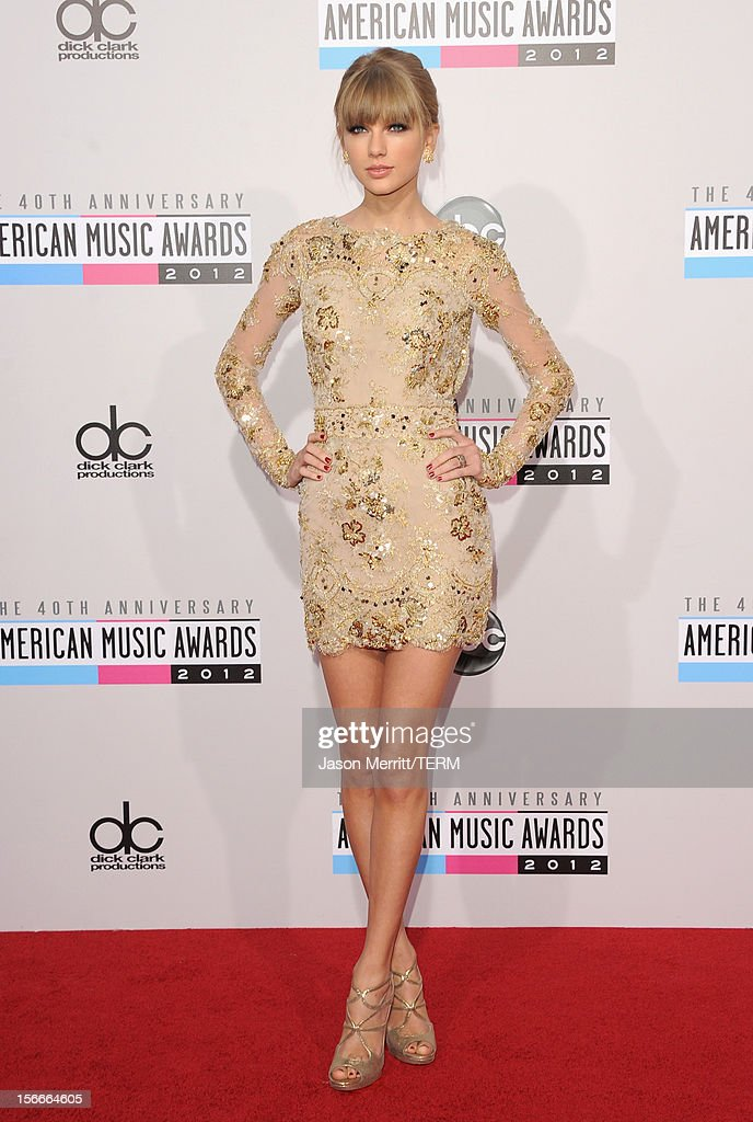Singer Taylor Swift attends the 40th American Music Awards held at Nokia Theatre L.A. Live on November 18, 2012 in Los Angeles, California.